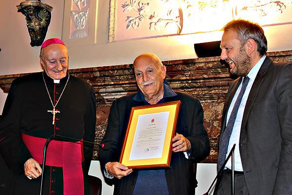 Mons. MErisi, Gianpaolo Colizzi (presidente COnsiglio comunale) e Simone Uggetti, sindaco di Lodi