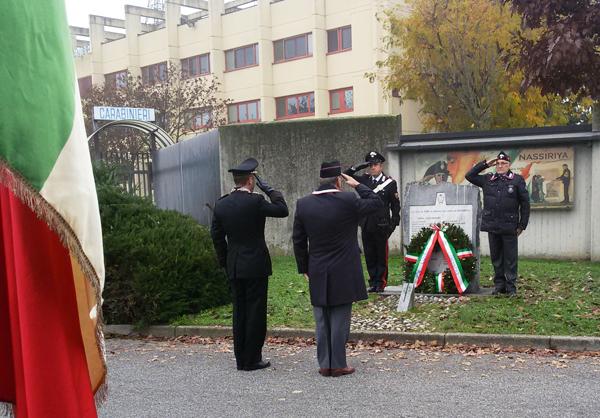 Onori resi ai caduti dal Ten. Col Vittorio Carrara e Mar. Ca. in congedo Enrico Rossetti, Coordinatore Provinciale dell'ANC di Lodi