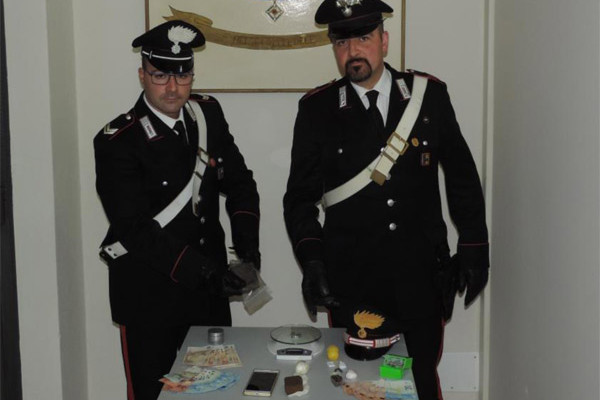 carabinieri-sant-angelo-pusher
