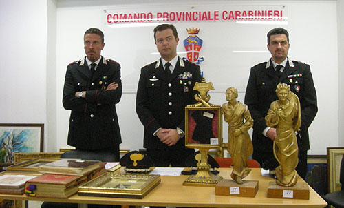 Il recupero della refurtiva in una operazione dei carabinieri d iLodi nel 2014