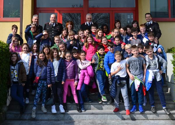 carabinieri-visita-scuola-zelo