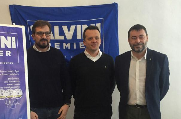 Guido Guidesi (candidato Camera), Claudio Bariselli (segretario provinciale Lega) e Luigi Augussori (candidato Senato)