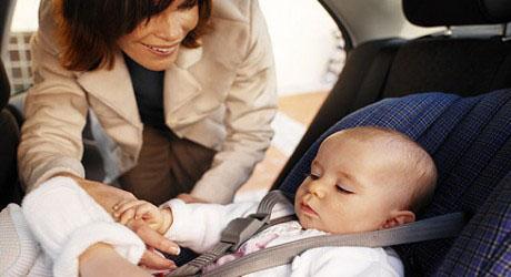 seggiolino auto mamma