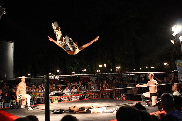wrestling-volo