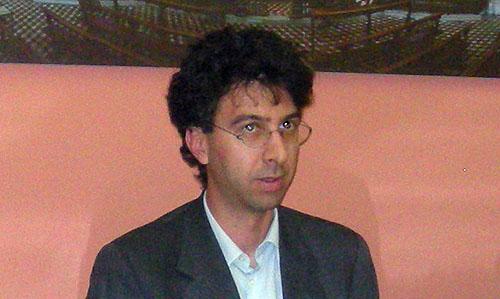 http://www.lodiedintorni.com/wp-content/uploads/andrea-ferrari.jpg